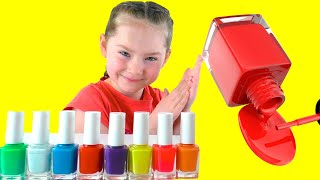Liza plays with magic nail polish colors | SKORIKI