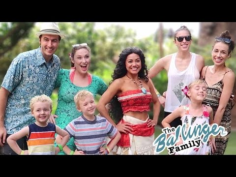 Super Awesome Hawaii SPECIAL ft. Disney's Moana!