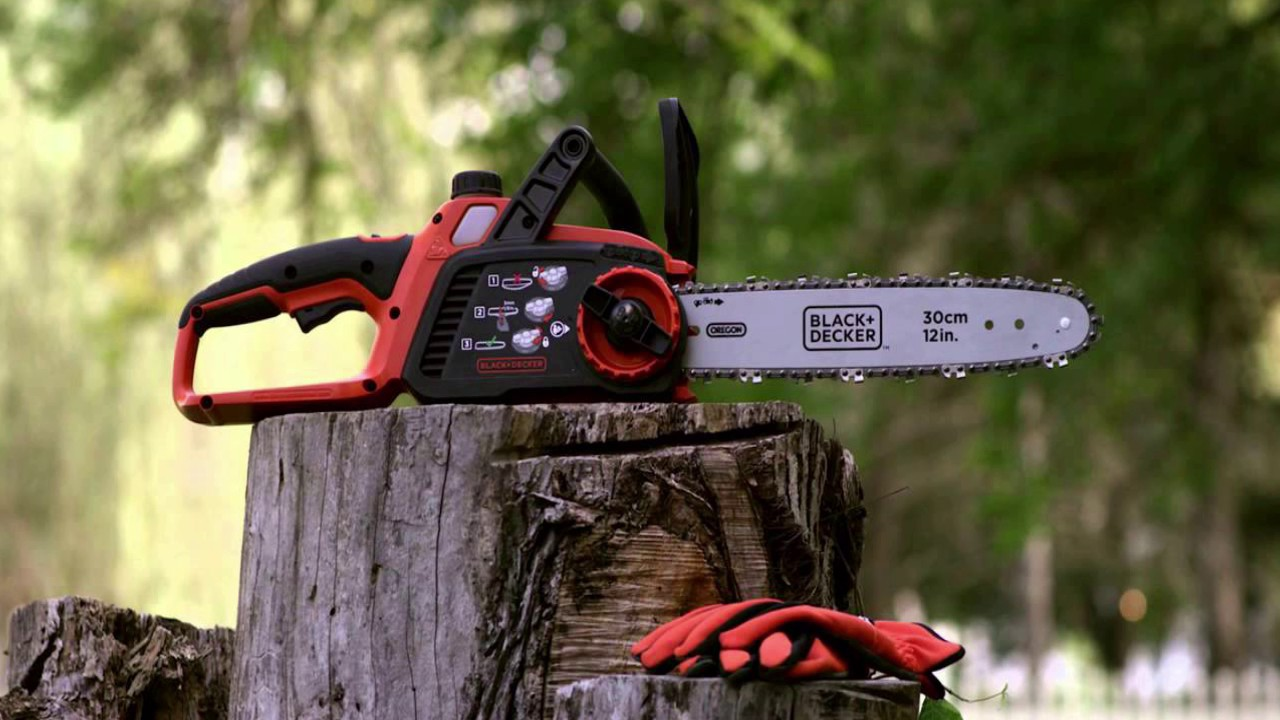 Heavy Duty Electric Chainsaw Self Sharpening 45m Bar High Torque Cutting Logs