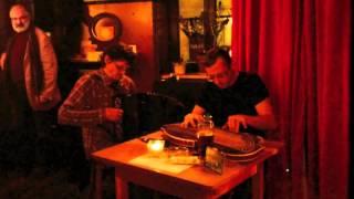 Karl Stirner und Walther Soyka im Gasthaus Goldmarie
