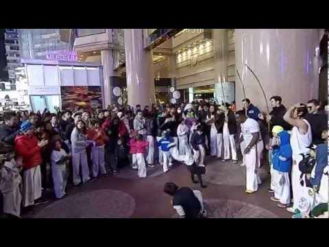 Capoeira in HK Times Square on 24 Jan 2016 - 1