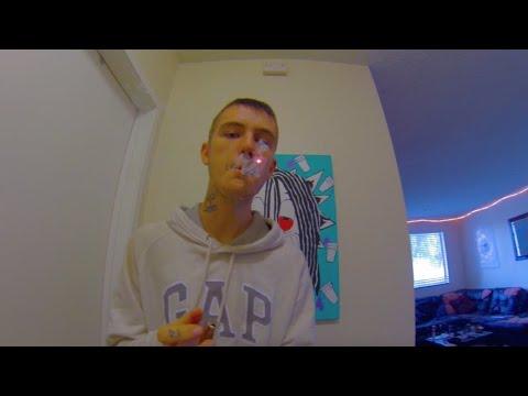 Смотреть клип Lil Peep - Keep My Coo