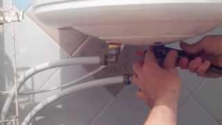 Как ЛЕГКО слить воду с бойлера (водонагревателя)!(Как ЛЕГКО слить воду с бойлера (водонагревателя), своими руками., 2014-06-13T23:31:02.000Z)