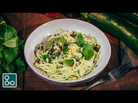spaghetti-de-courgettes-au-pesto-maison-🌱-(on-dirait-vraiment-des-pâtes-!)---youcookcuisine