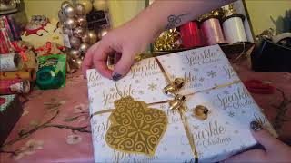 How to wrap Christmas Presents - Easy simple steps