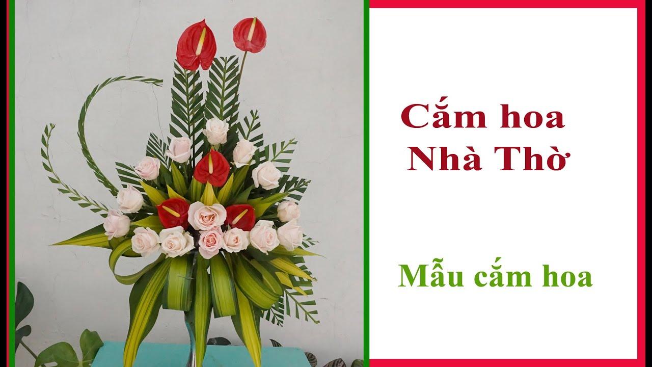 Cắm bình hoa cây nến | Cắm hoa Phụng Vụ