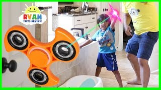 GIANT FIDGET SPINNER MAGICAL PAINTBRUSH thumbnail