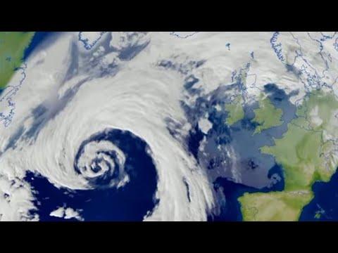 Storm Caroline arrives (UK)