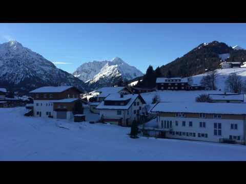 Parsenn Bergbahn Bergfahrt mit Sessellift Riezlern Kleinwalsertal
