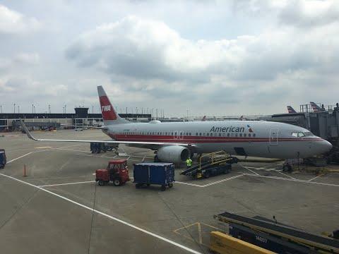"Flying American Airlines Boeing 737-800 N915NN ""TWA Retrojet"" On Flight AA1049 (EWR To ORD) 8/12/19"