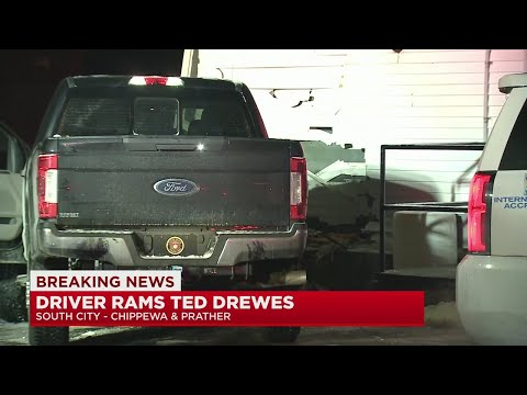 Car-crashes-into-Ted-Drewes