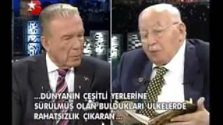 Erbakan Hoca'nın başucunda Harun Yahya kitabı.mp4 Video