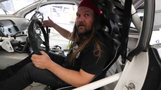 Heavy kollar in Ramona Karlssons rallycross-bil