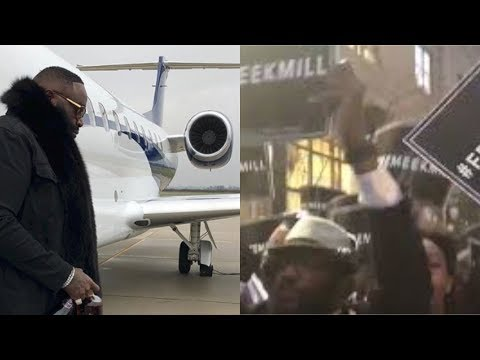 Rick Ross LIGHTS UP The Crowd At Meek Mill Rally In Philly!