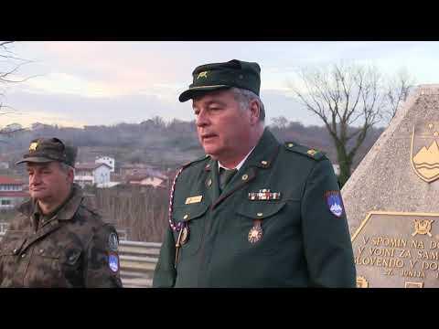 Dvigovanje slovenske zastave ob dnevu neodvisnosti in enotnosti 26 12  2017
