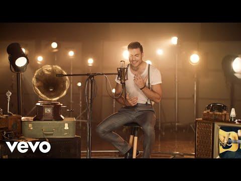 Carlos Rivera - Vuelves (Si Fuera Mía [Video Oficial])