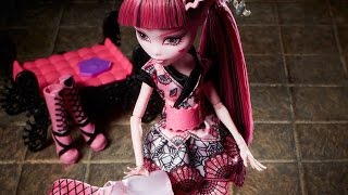 Monster Exchange : Monster High Draculaura goes to japan stop motion