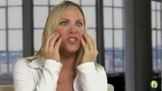 Comment sculpter et raffermir vos joues grâce au yoga pour le visage