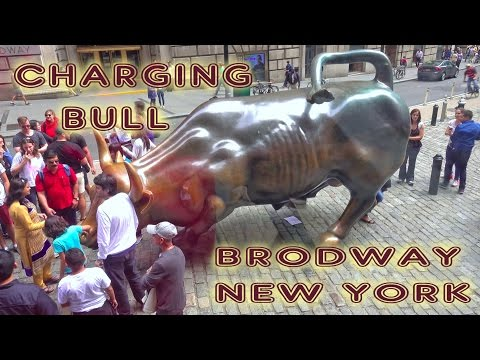Charging Bull (Wall Street Bull) - New York, Manhattan 4K