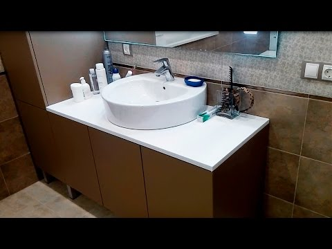 Тумба с пеналом для умыальника Roca Happening и зеркало в ванную
