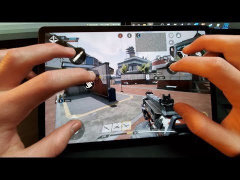 playing-call-of-duty-mobile-with-7-finger-claw