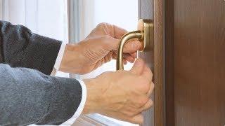 Come sostituire una maniglia per finestre in 1 minuto