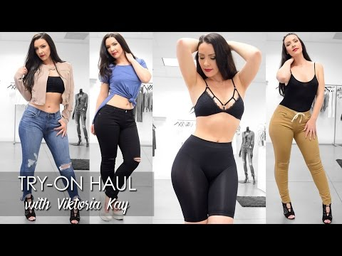 Try-on Haul at Iza with Viktoria Kay