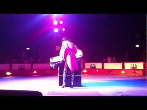 The Magic Box Trick : THE SENSATIONAL CIRCUS OF THE ORIENT IN MANCHESTER 28/02/2012 GYMNASTICS