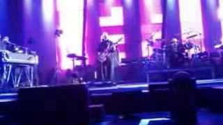 This is the picture (Excellent birds) - Peter Gabriel Geneva 0ct 8 2013