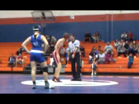 THIS GIRL PINS A GUY IN WRESTLING!!!!!