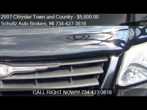 2007 Chrysler Town and Country for sale in Livonia, MI 48150