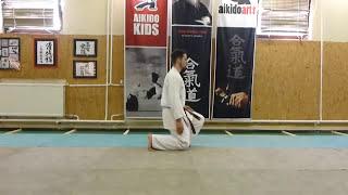 how to sit down/stand up seiza /leülés- felállás [TUTORIAL] Aikido dojo etiquette