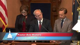 Sen. Emmons welcomes Rev. Winter to deliver invocation at the Michigan Senate