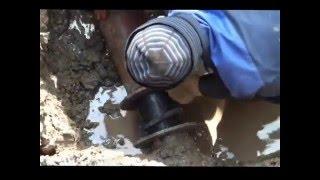 Компенсатор.(Ремонт водопроводных сетей. Некачественная пайка пластиковой трубы и второй случай чугунная труба пополам..., 2016-04-01T14:41:32.000Z)