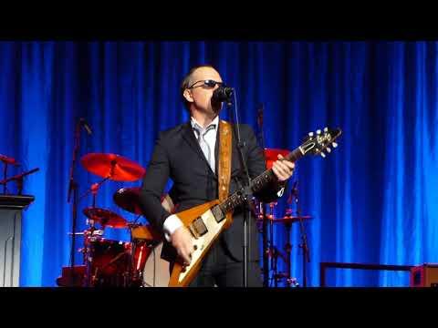 Joe Bonamassa~INTENSE Guitar Solo Highlights