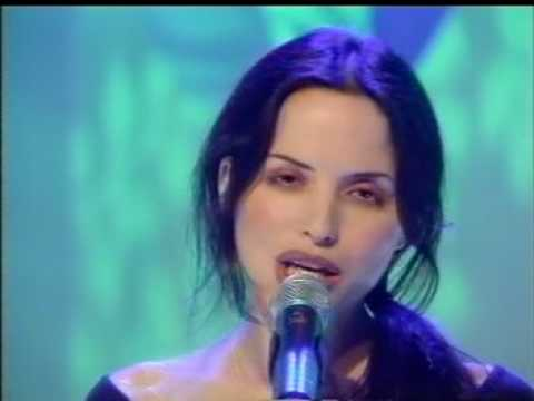 The Corrs - Runaway - Top of the Pops 1998