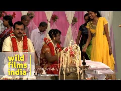 Wedding Gifts For Kerala Bride : ... wedded couple receive gifts from guests: Kerala wedding - YouTube