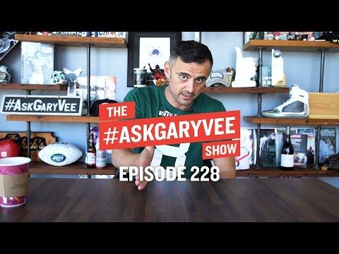 YouTube Monetization Policies, Future of FinTech & Fostering Leadership | #AskGaryVee Episode 228