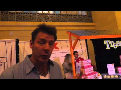 World's Largest Bake Sale with Sandra Lee and Kmart
