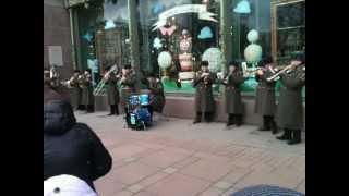 Музыканты у Елисейского магазина - Street orchestra Pink Panter Theme