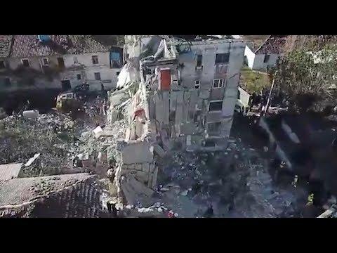 Ora News -  Katër ditë pas tërmetit: Banorët në lot, trishtim dhe dhimbje