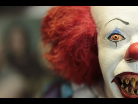 IT (Pennywise) Resin sculpture by  Lorenzo Di Vincenzo