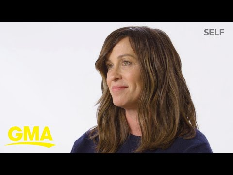 Jenni Chase - Alanis Morissette reveals her stuggles with post-partum depression