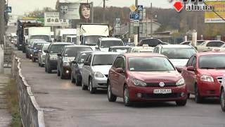 21.10.14 - Рекламный щит упал на автомобиль и стал причиной километровой пробки(, 2014-10-21T16:11:11.000Z)
