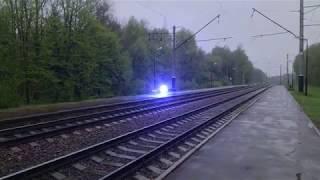 Шаровая молния возле железнодорожных путей [CGI]