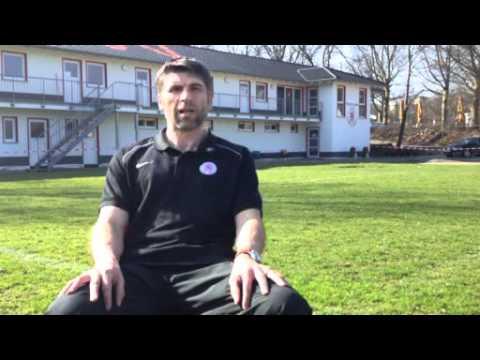KSV-Coach Uwe Wolf vor dem Spiel gegen Worms