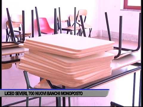 LICEO SEVERI DI SALERNO. 700 NUOVI BANCHI MONOPOSTO - SERVIZIO TG DEL 08/09/2020