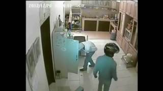 Rekaman CCTV Anak yang Maling di rumah Bapaknya sendiri~