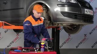 Hoe een koppelstang vooraan op een VW TOURAN 1T1, 1T2 vervangen [HANDLEIDING]