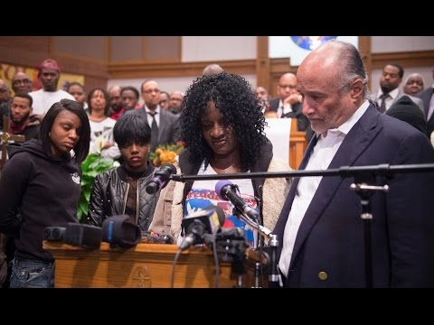 Family of Freddie Gray holds news conference